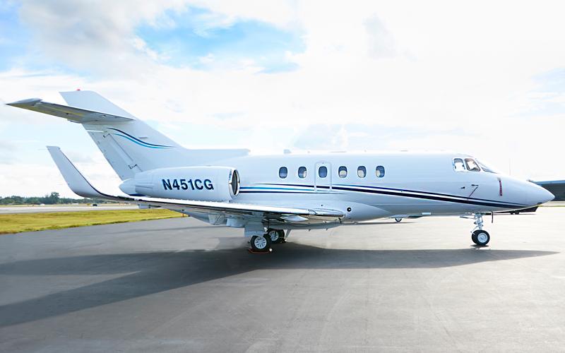 Catalina-Aerospace-Hawker-900-side