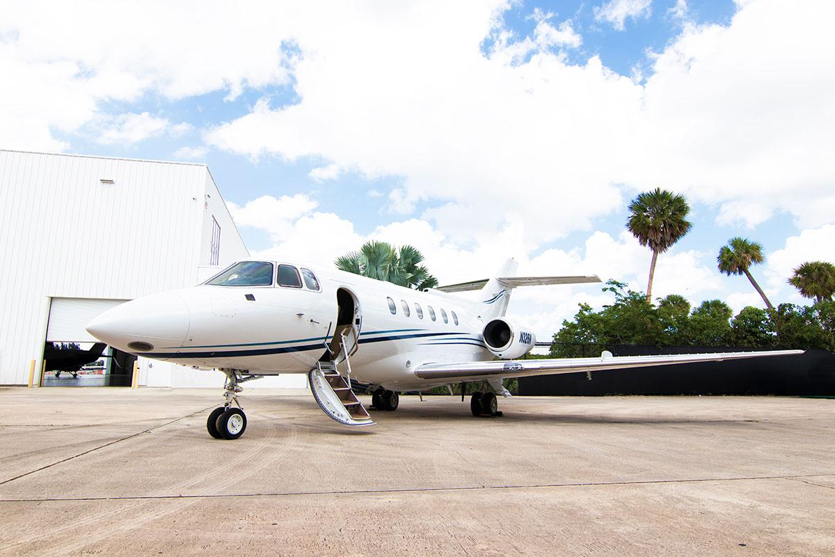 Catalina-Aerospace-Hawker-800A-3