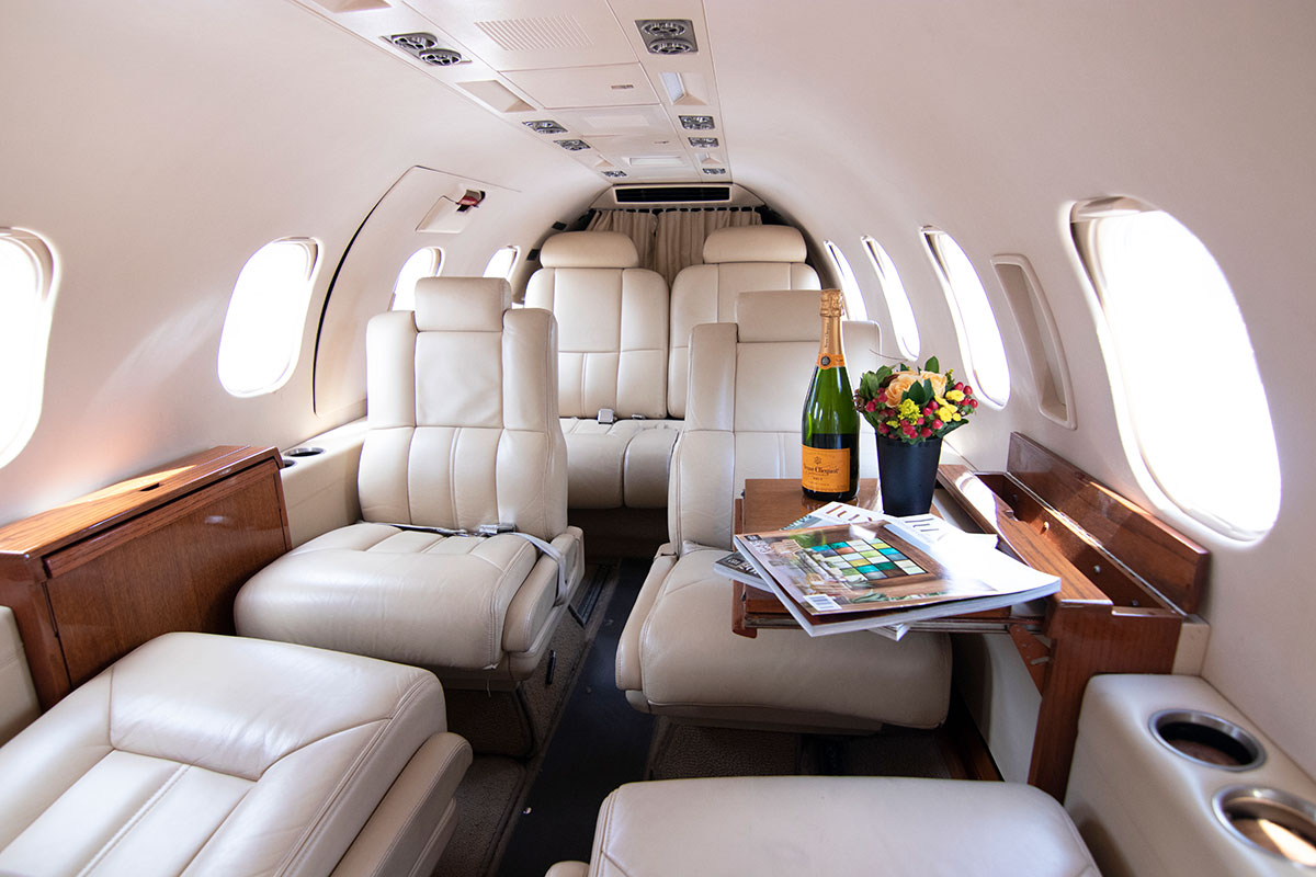 Catalina-Aerospace-Learjet-interior-2