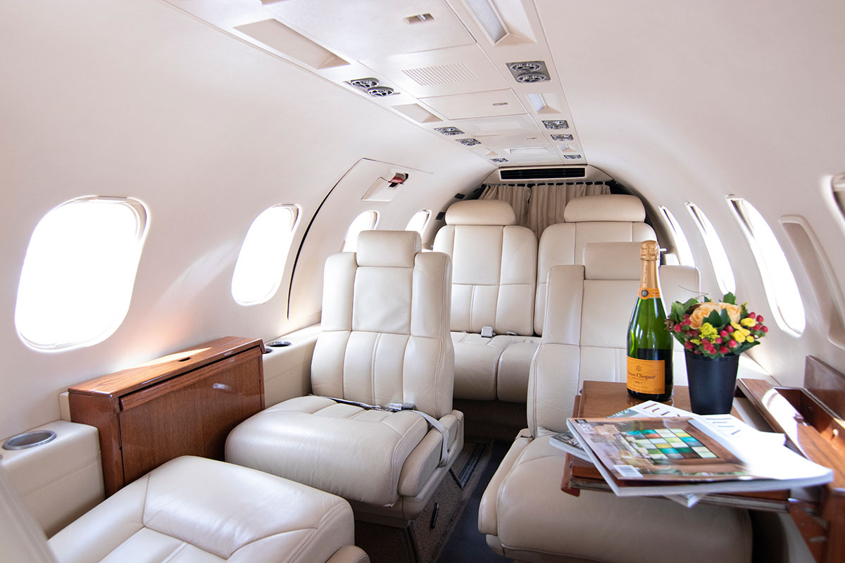 Catalina-Aerospace-Learjet-interior-3