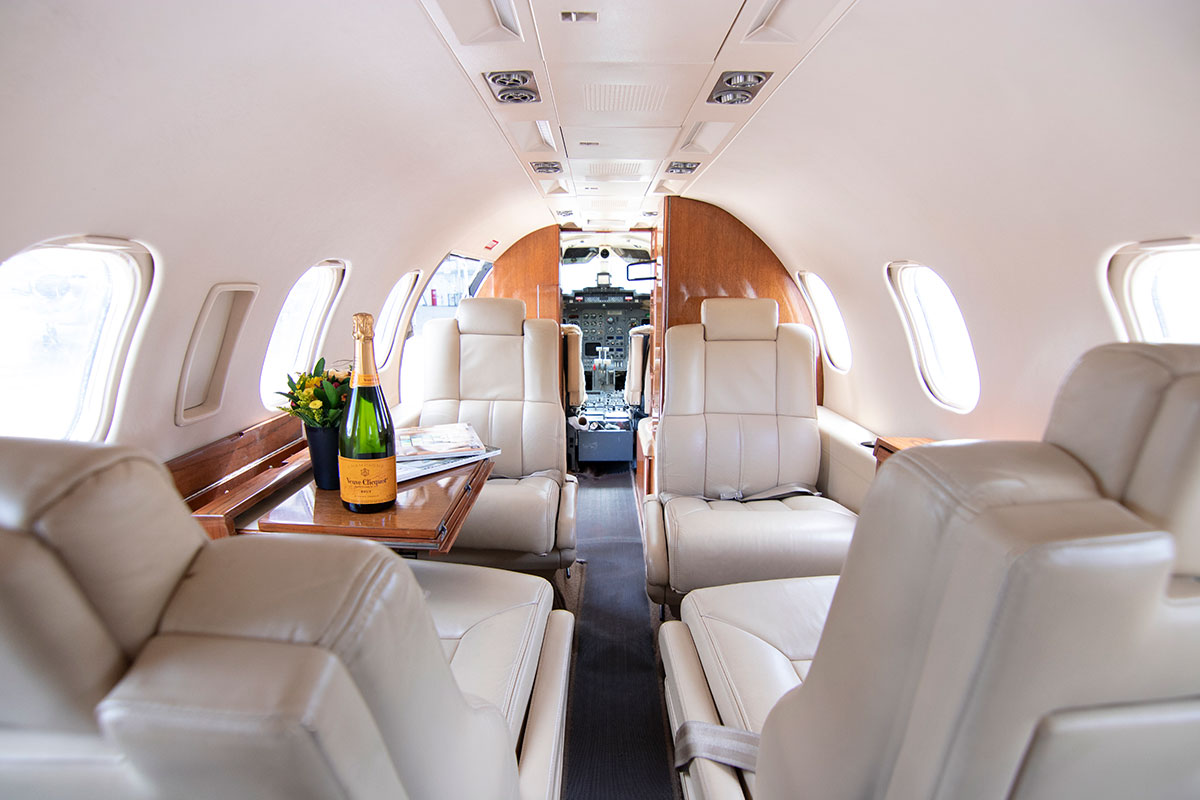 Catalina-Aerospace-Learjet-interior-5