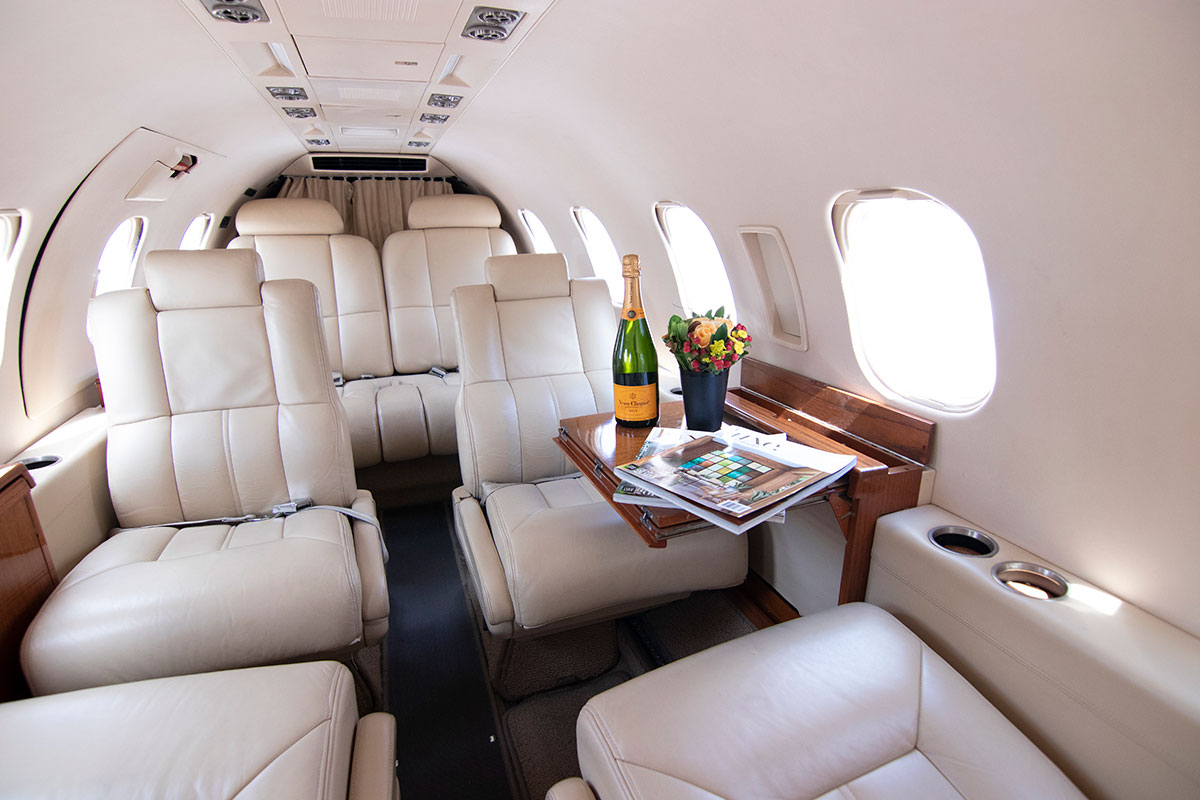 Catalina-Aerospace-Learjet-interior